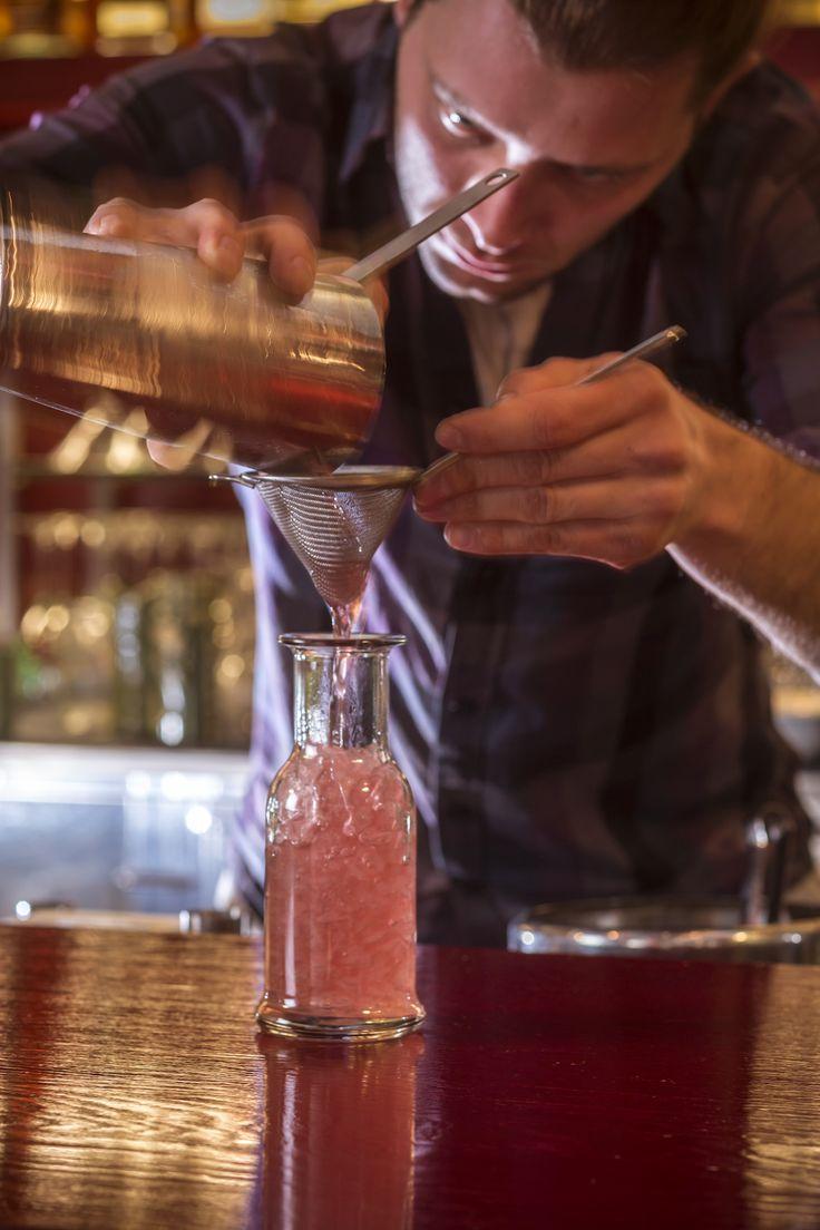 Signature Cocktails by John Samaras Σας προσκαλούμε να δοκιμάσετε το Elixir! Ένα δροσιστικό, γευστικότατο cocktail χωρίς αλκοόλ, το οποίο αποτελείται από Αχλάδι, φρούτα του πάθους, τζίντζερ και λάιμ. #Pasaji #PasajiAthens #CityLink #Athens #Food #AthensFood #Restaurant #AthensRestaurant #CocktailBar #AthensCocktails #CocktailsInAthens #Elixir #NonAlcohol #Cocktail #Beverage