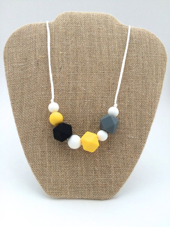 Silicone teething necklace!