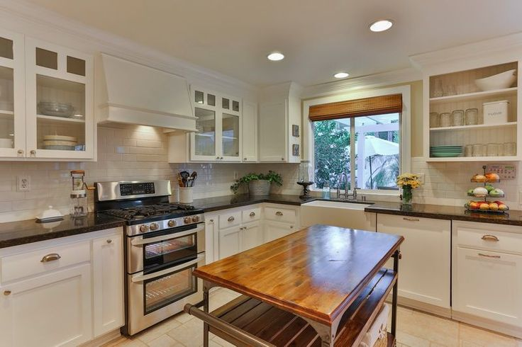 Choosing kitchen cabinets is an important decision that marries form and function.
