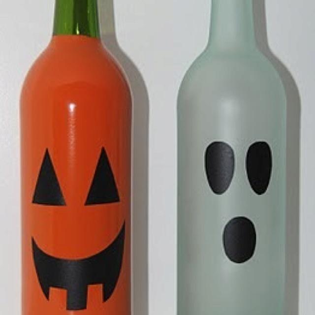 Cute wine bottle decor wine bottle decorations pinterest for Cute wine bottles