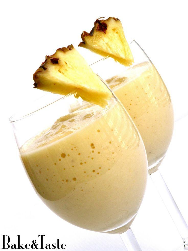 Smoothie ananas-banan-jabłko Pineapple-banana-apple