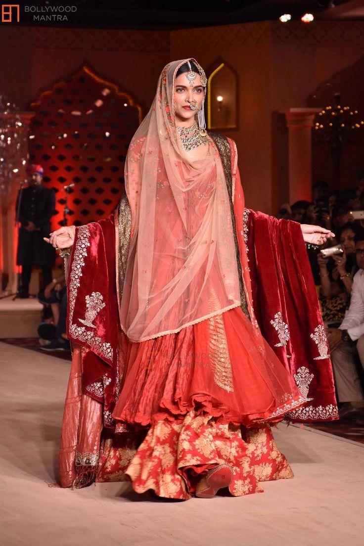 Movie Promotion of 'Bajirao Mastani' - Bollywood Promotion Deepika Padukone | Ranveer Singh