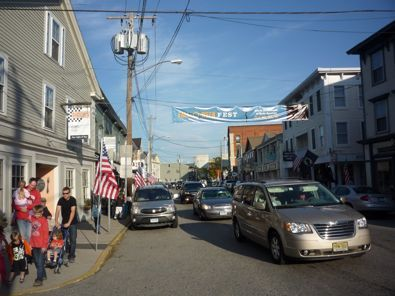 Downtown Mystic CT has a great small town appeal with its mom and pop shops, restaurants and nearby attractions like Mystic Seaport and the Mystic Aquarium. http://www.visitingnewengland.com/downtown-mystic-ct.html