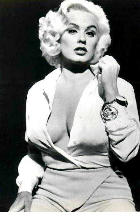 Mamie Van Doren pin up