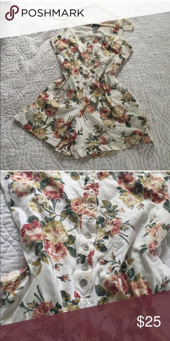 Vintage floral jumper Vintage floral jumper with pockets 100% cotton size medium brand new concepts sold as is Other