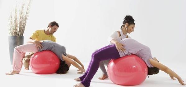 KoranHarian.Net , Peralatan olahraga tak hanya berfungsi untuk melatih kebugaran atau membentuk tubuh saja. Anda pun bisa lebih kreatif ...
