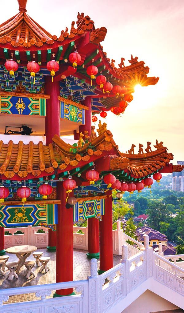 Thean Hou Temple | Kuala Lumpur In 24 Hours - 5 Things To Do In 1 Day In Malaysia's Capital | City Travel Guide | via @Just1WayTicket