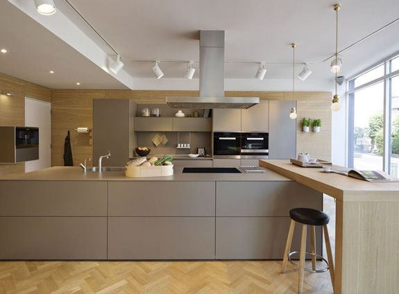 Kitchen Architecture's bulthaup showroom in London #kitchenarchitecture #bulthaup #kitchens #laminate
