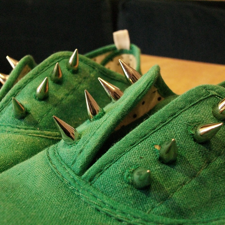 ROCK 'N ROLL, BABY! #diy spiked shoes!