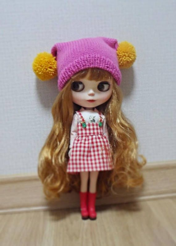 12 blythe doll hat  knitted two pompom