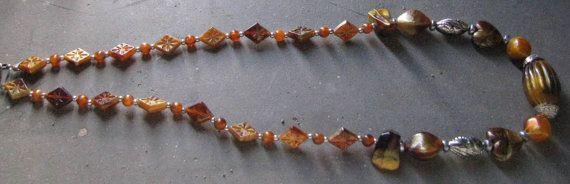Collana con inserti color ambra e color di LecreazionidiVicky, €8.00
