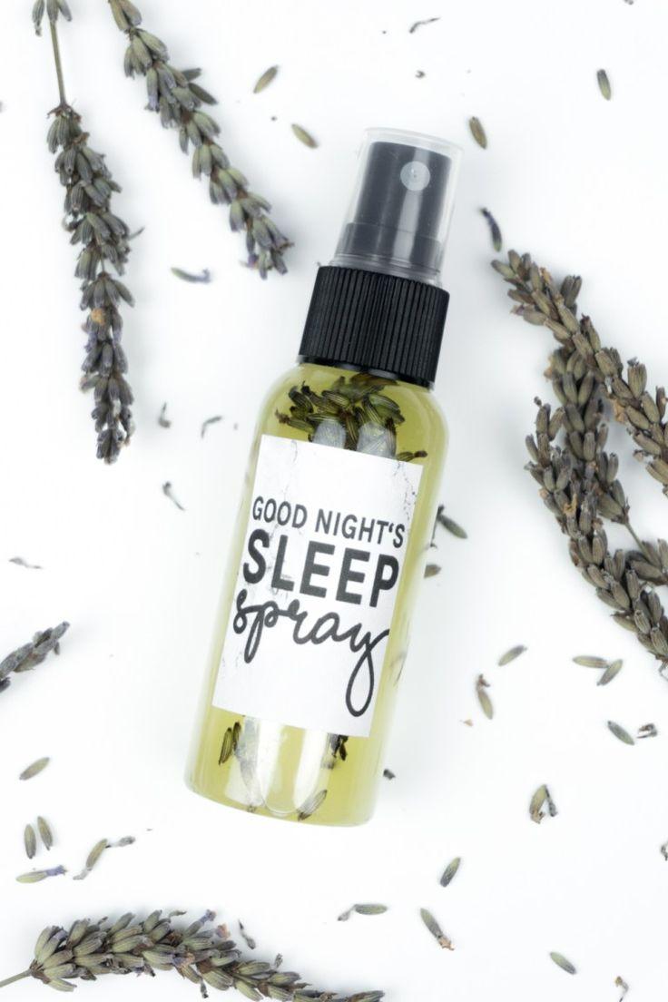 A Good Night's Sleep: Lavendelspray selber machen