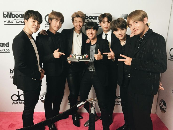 I would just like to say, CONGRATS TO MY BABIES!!!!!! I am sooo proud of you and you guys have come such a long way. You guys made me so happy today and I haven't smiled this much in so long. I love you guys!! Fighting!  사랑해