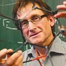 Lo diminuto gana tres premios de ciencia en los Nobel 2016 - El Deber  El Deber Lo diminuto gana tres premios de ciencia en los Nobel 2016 El Deber Esta semana se conoció a los ganadores de los premios Nobel en tres áreas de la ciencia: Medicina, Física y Química. Siete investigadores fueron galardonados por sus estudios sobre el sistema de reparación celular en el…