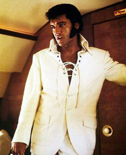 10+ Images About Elvis In Concert On Pinterest