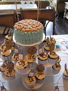 1st Birthday Cupcake Display on Flower Tower: http://www.thesmartbaker.com/3-tier-flower-cupcake-tower/