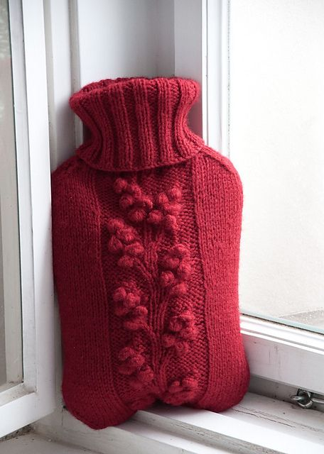 Chunky Knit Scarves Patterns : Knit a hot water bottle cozy: Winterberry pattern by gluecksfisch #free_patte...