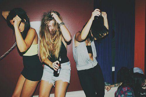 Google Image Result for http://s1.favim.com/orig/22/drank-fashion-girls-party-photography-Favim.com-209866.jpg