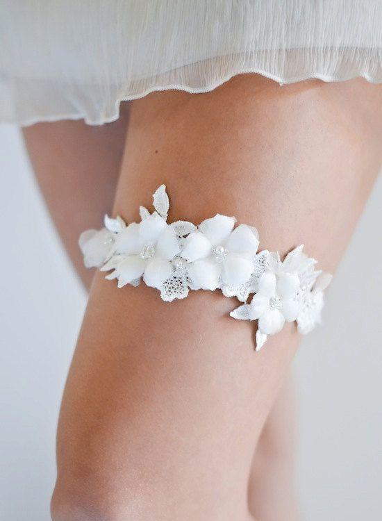 LUCA wedding garter, lace wedding garter, ivory bridal garter