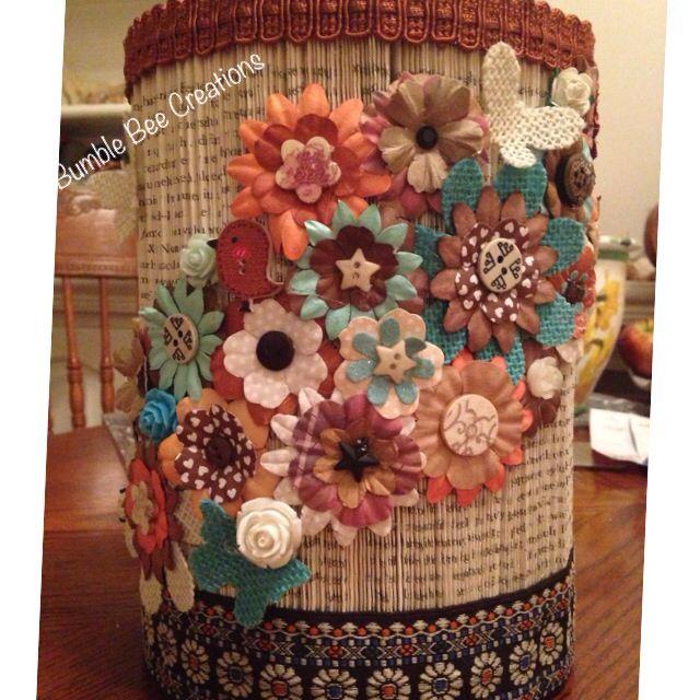 Floral bookfold pillar