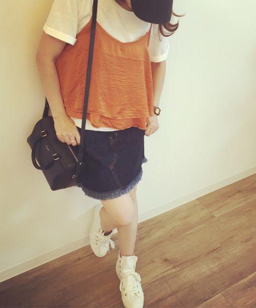 ミニスカートやショートパンツなど肌の露出が多いファッションは40代女性にはNG | BRANDNOTE