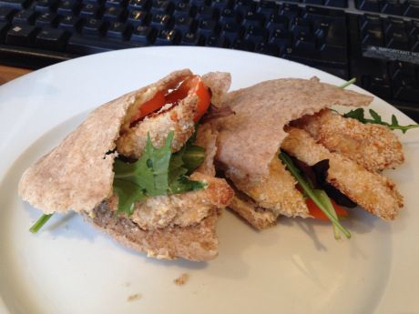 Breaded Chicken and Pepper Pitta Pockets. Super quick lunch!