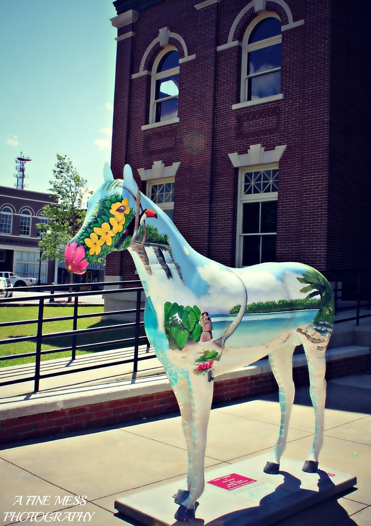 Horse statue in front of the courthouse in downtown Newnan