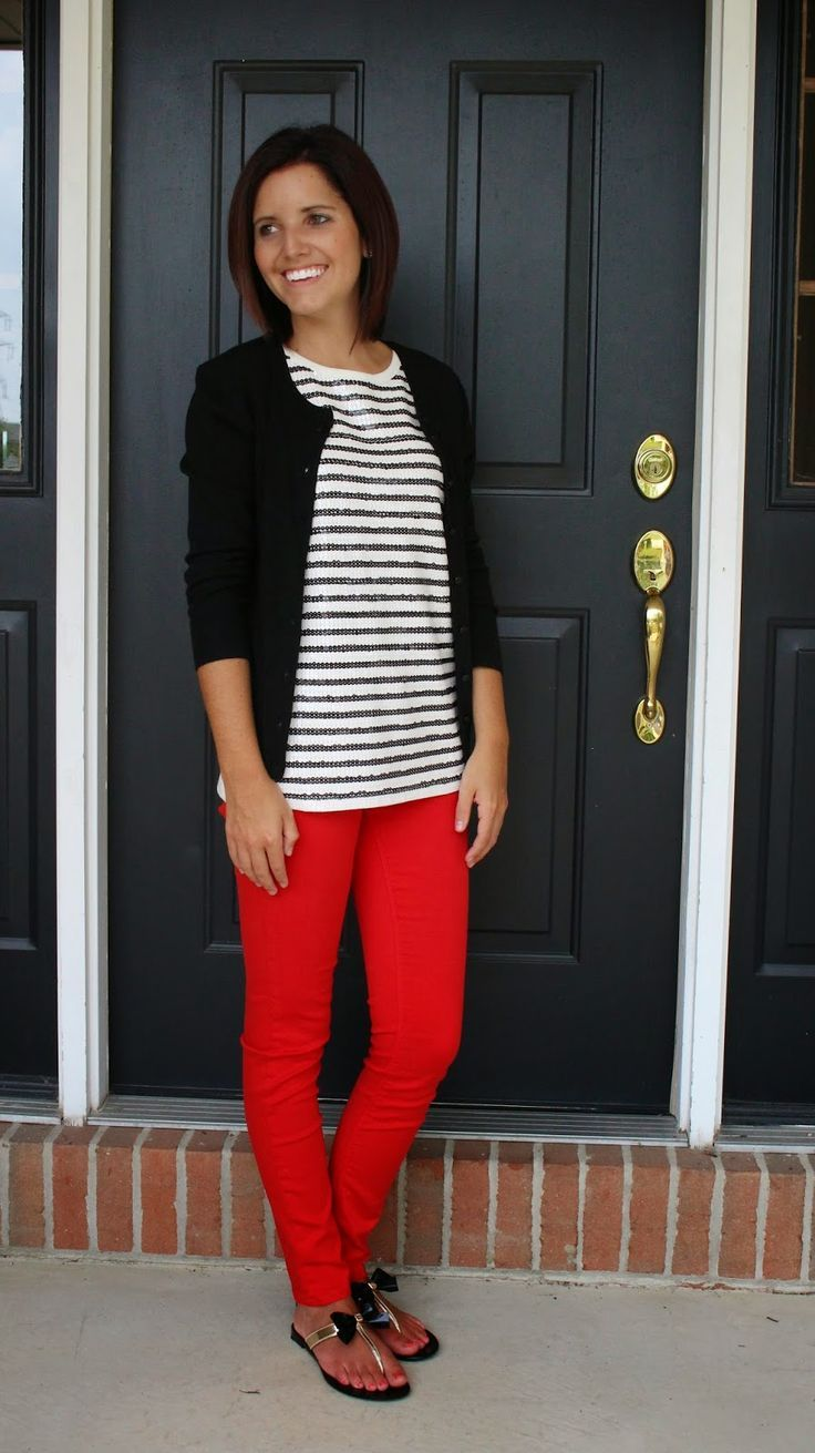I love the orange pants. Don't know if I can pull it off. Looks awesome with the striped top and fun sandals. Perfect fall outfit for the classroom.