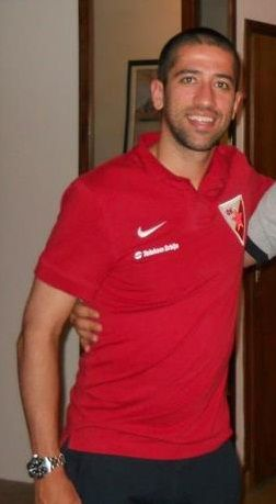 Evandro, former Brazilian youth international, had his first spell in Europe with Red Star.