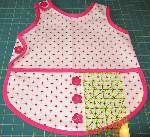 Children's Art Smock - Pattern and Directions - good project to sew with Babyville Boutique PUL fabrics. #toddlers