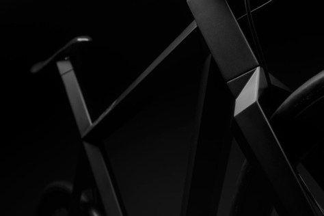 matte-black-bike_230615_02-800x533