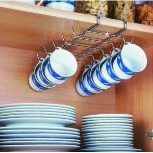 Colgador de tazas adaptable al entrepaño del mueble de cocina. No necesita ningun tipo de montaje. Fabricado en acero inoxidable. Medidas: 28 x 22 x 5 cms.