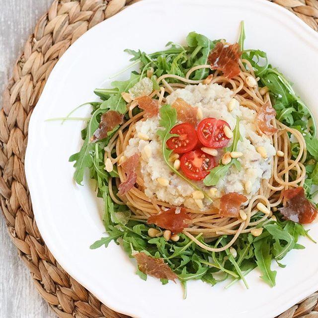 Pasta met romige bloemkoolsaus  https://marielleindekeuken.nl/2016/10/25/pasta-met-romige-bloemkoolsaus/  #leukerecepten #bloemkool #wereldpastadag