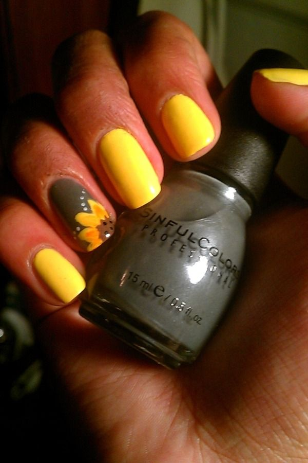 Sunflower nails. so in love with thissssss