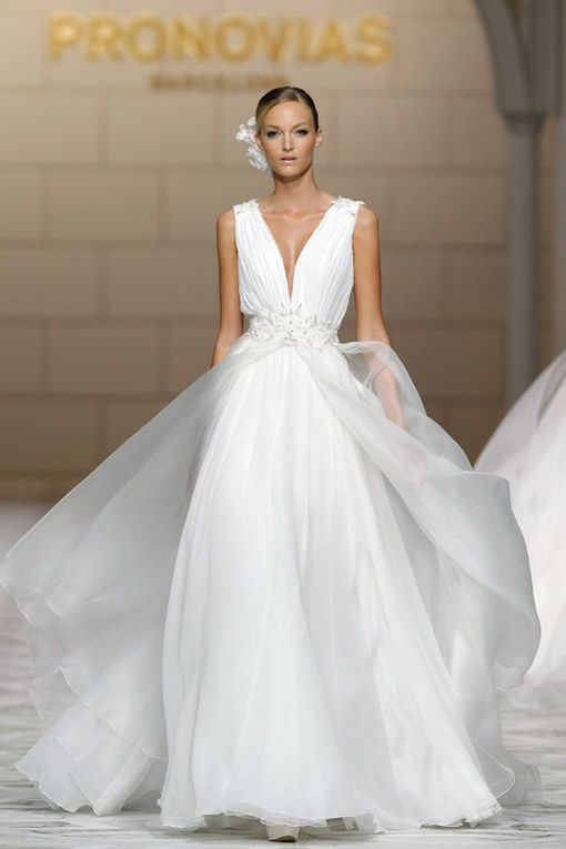 Abito da sposa Pronovias collezione 2015 - Vestiti da sogno. Gli abiti da sposa delle nuove collezioni - alfemminile.com