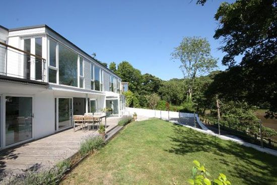 On the market: 1970s four-bedroom modernist property in Stoke Gabriel, Devon « WowHaus