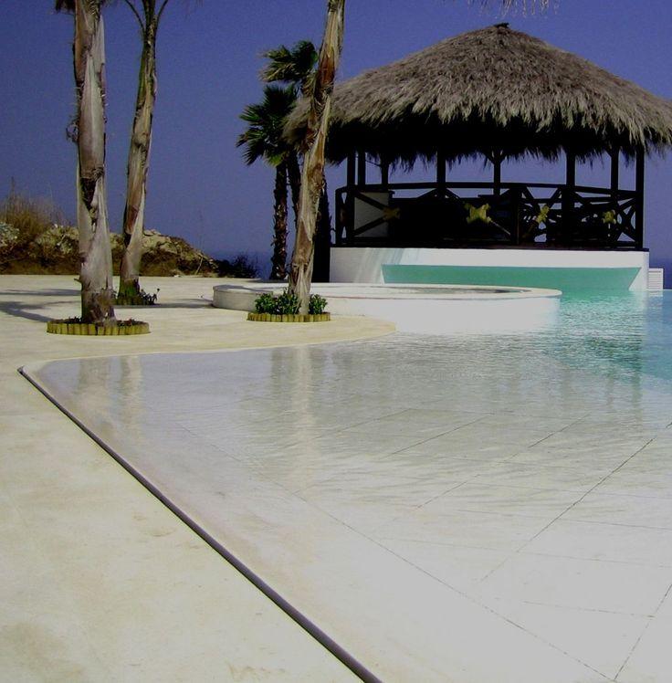 Les 25 meilleures idées concernant piscine a debordement sur ...