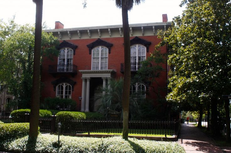 63 best images about savannah the hostess city on for Historic houses in savannah ga
