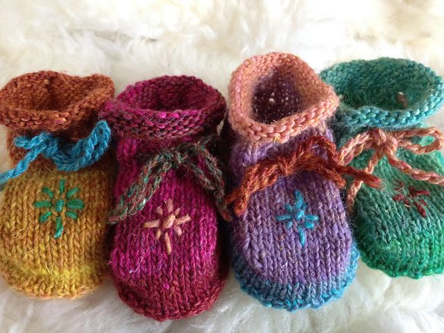 Ravelry: Silk Garden Lite Mix'n'Match Baby Booties pattern by Mynx Designs