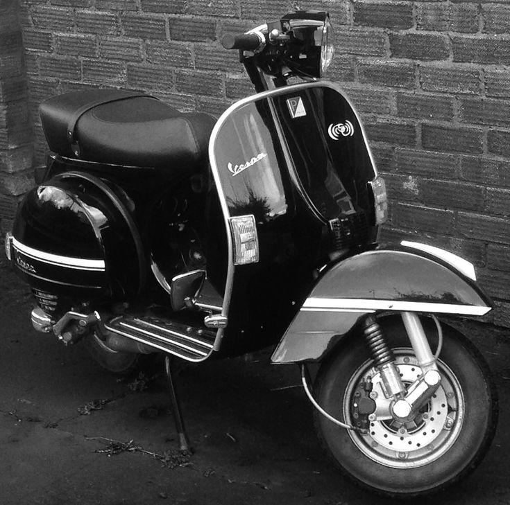 1000 ideas about vespa px 125 on pinterest vespa px vespa 150 and vespa. Black Bedroom Furniture Sets. Home Design Ideas