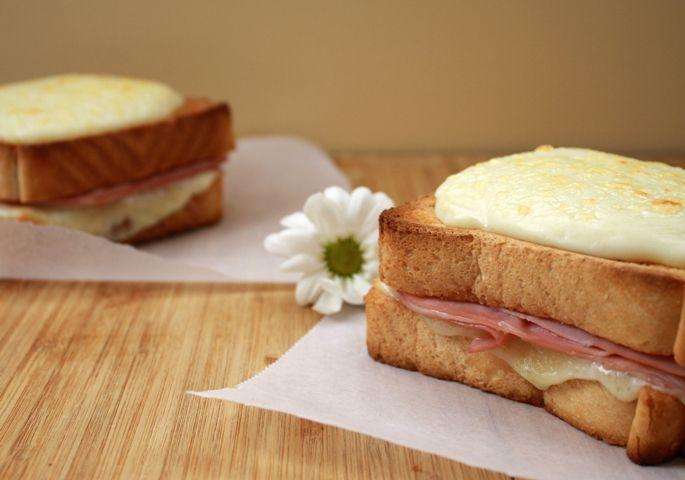 Sandwich croque-monsieur (mixto con bechamel) Bechamel, Sandwiches, Huevos Fritos, Pizza, Cooking, Pane, Recipes, Yummy Yummy, Food