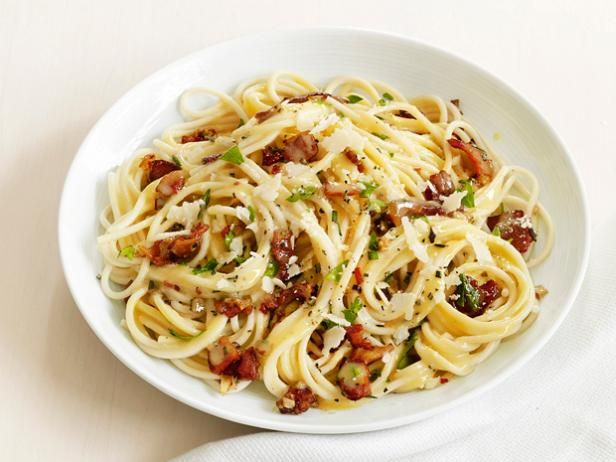 30-Minute Pasta Carbonara from #FNMag #RecipeOfTheDayFood Network, Italian Pasta Dishes, Pasta Carbonara, Spaghetti Carbonara, Bacon, Carbonara Recipe, Foodnetwork, Comfort Foods, Comforters Food