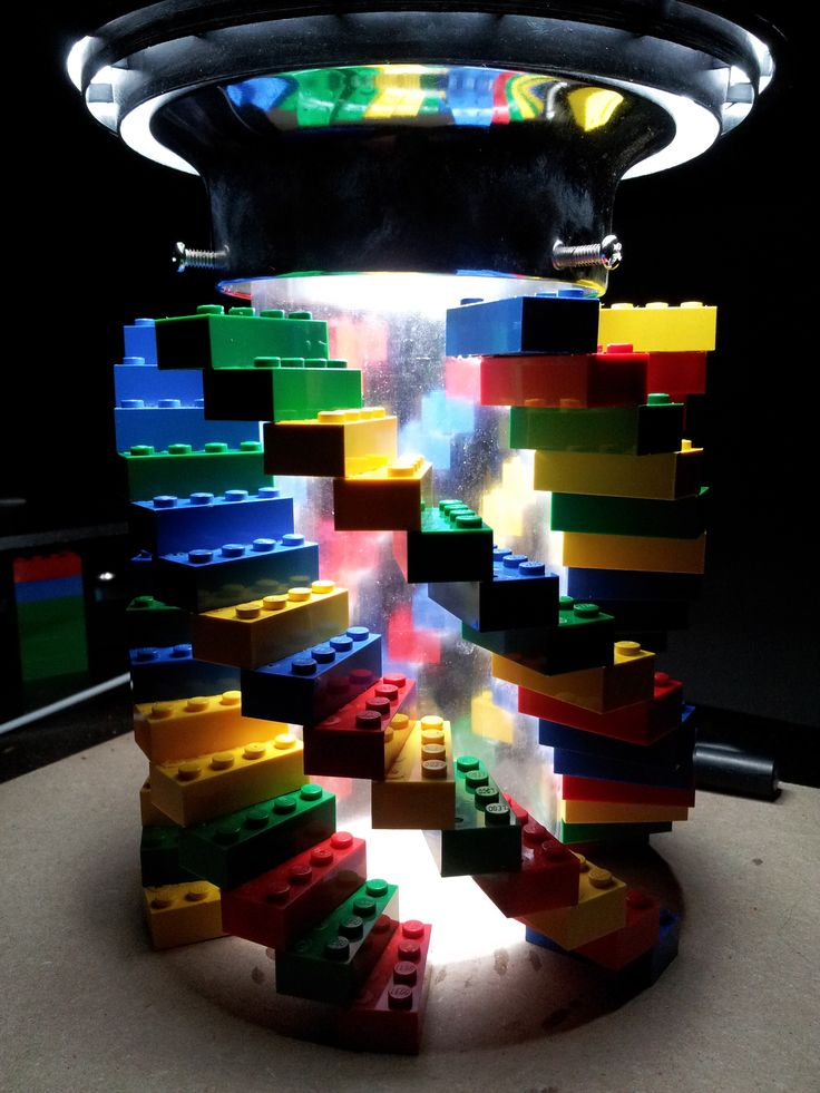 LEGO Lamp -- I must try to make this!