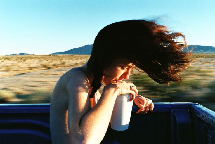 Non ho mai visto il deserto, ho provato però quello smarrimento. La sensazione di perdere il controllo, o forse qualcosa di più fisico. Il terrore, l'odore della paura, la vertigine di chi re…