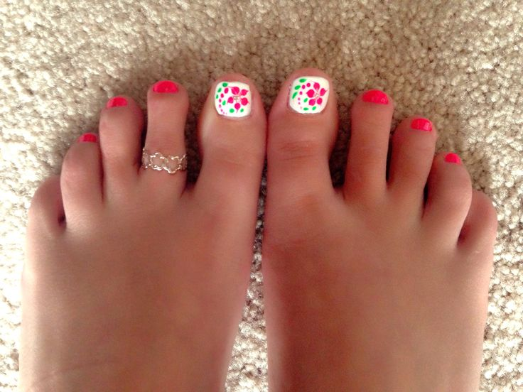 Cute summer pedicure