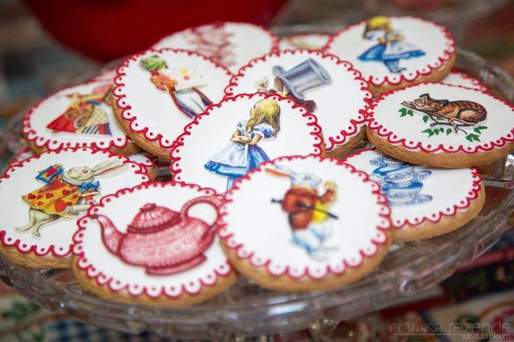 Cookies in an Alice in Wonderland themed #birthday. #aliceinwonderland