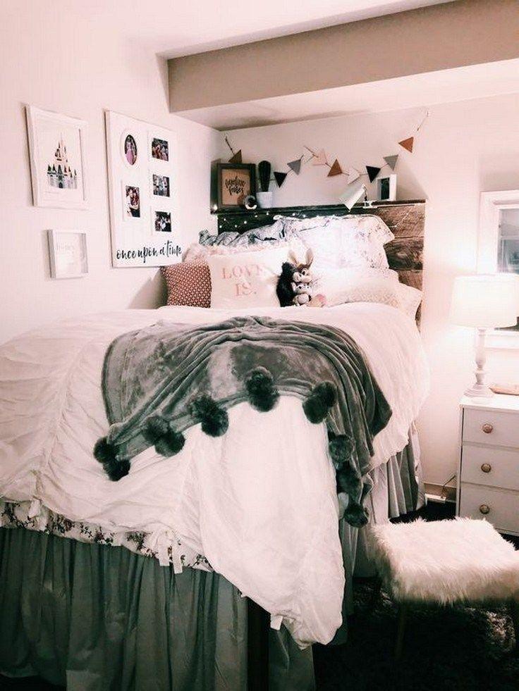 50 Beautiful College Apartment Bedroom Decorating Ideas Chicbedroom Bedroomdecorating Bedroomideas Dorm Room Designs College Dorm Room Decor Girls Dorm Room