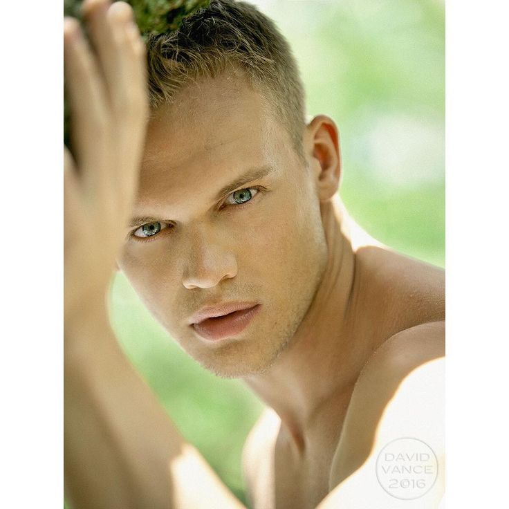 "103 To se mi líbí, 1 komentářů – David Vance (@davidvancephoto) na Instagramu: ""SERGEY BOYTCOV  see more in 5 RUSSIAN BOYS http://www.blurb.com/ebooks/583070-5-russian-boys"""