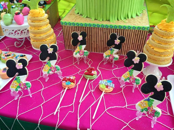 Mickey Mouse / Minnie Mouse Birthday Party Ideas   Photo 4 of 17