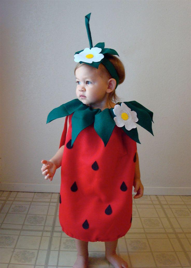 Disfraz de fresa para bebé. Disfraces caseros fáciles para niños de carnaval.